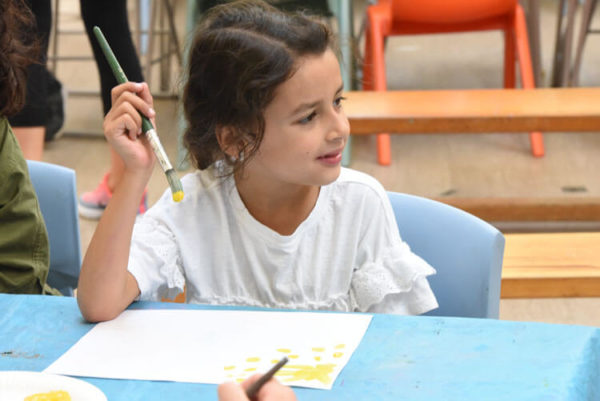 children craft art